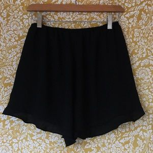 Cute and flow-y black shorts!